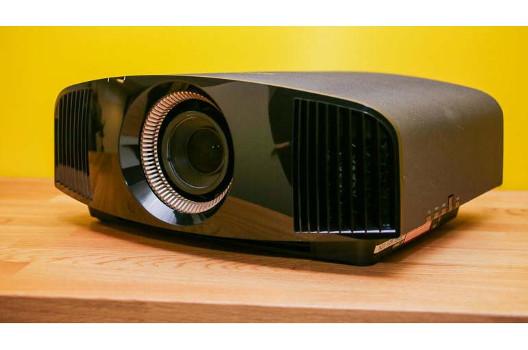 Sony: HDR-Update im Mai für den Ultra HD Projektor VPL-VW320ES