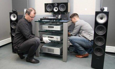 Neue 700er-Serie von B&W zwingt HiFi-Experten auf die Knie