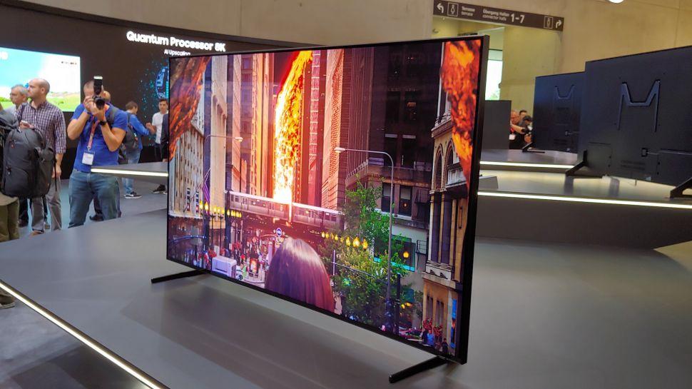 Samsung Q900R: Warum mit dem Kauf warten?